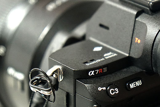 デジタル一眼カメラ「α7R III」の供給に関するお知らせ