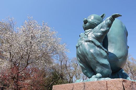 【レビュー】α7III+SEL100400GMで撮る『桜とシマリス』
