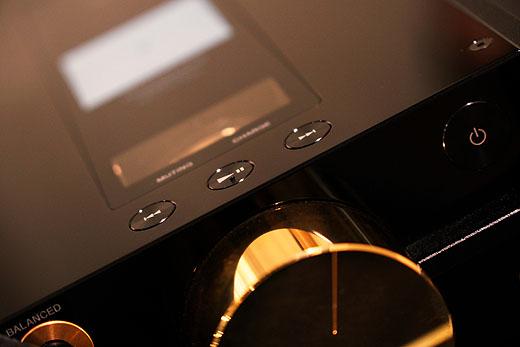 【レビュー】誰も止める人はいないのか!?ソニーの技術とノウハウを結集『DMP-Z1』ショールーム展示レビューレポート