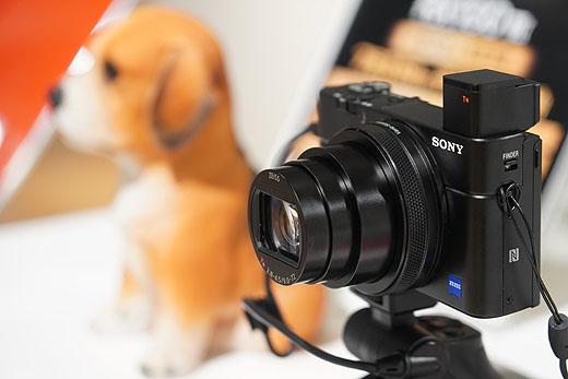 """ミラーレス一眼""""α9″に並ぶ驚異のAF性能を搭載したデジタルカメラ『RX100M7』総まとめレビュー!"""
